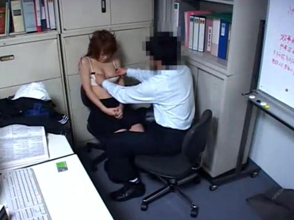 【JKお仕置きレイプ】万引きしたスレンダー女子高生を脅し、無理やり強姦する一部始終を録画した盗撮映像が流出!