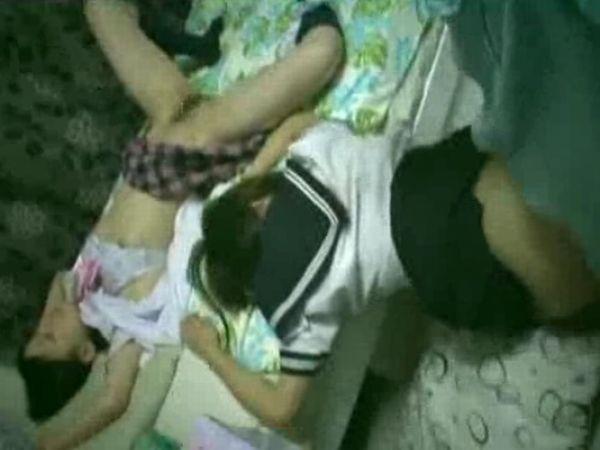 【JK家出】アングラ掲示板で拾った2人の女子高生を監禁し睡眠薬で眠らせ… 昏睡中の少女を静かにレイプするキチガイロリコン