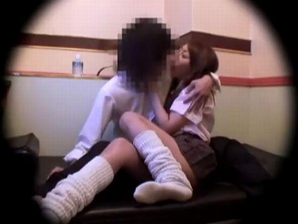 【素人JK盗撮】『アァン…KISSやばっ…超濡れる♡』セックス中毒の女子高生とセフレの生々しい個室ハメ隠し撮りが流出した…