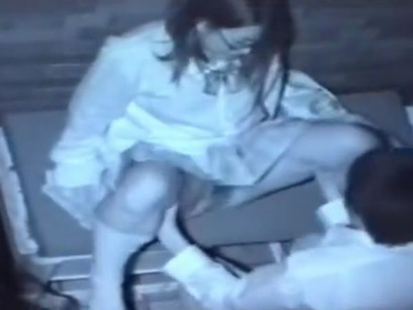 【高校生カップル隠し撮り】下校中に発情したドS女子高生が彼氏のチンコを強引に捻り込む痴女プレイを盗撮したガチ青姦映像