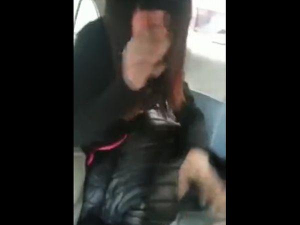 【高校生カップル自撮り】※ガチでヤバいやつ!友達の車の後部席でそいつの彼女とセックスしだすカオス過ぎるNTR映像