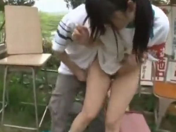 【JKロリいたずら】運動会に侵入した連続痴漢魔が女子高生を犯す!おしっこ待ちの少女を茂みに連れ込み凌辱する強姦映像