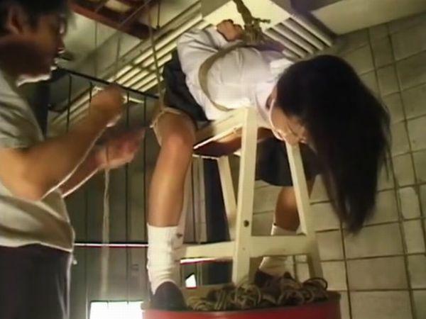 【マゾJK緊縛】『すごい格好やなぁ…肉棒カチカチやで』秘密の地下室に監禁した女子高生を縛り上げて辱めるドSヤクザの羞恥調教